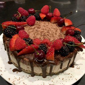 lynn_hilditch_vegan_cake